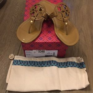 New in Box Tory Burch Miller Sandals Patent Sand